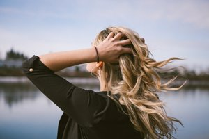 caduta capelli dopo gravidanza