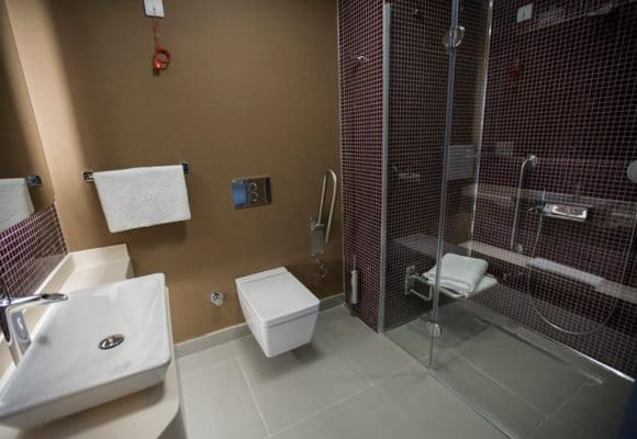 clinica microfue - baño